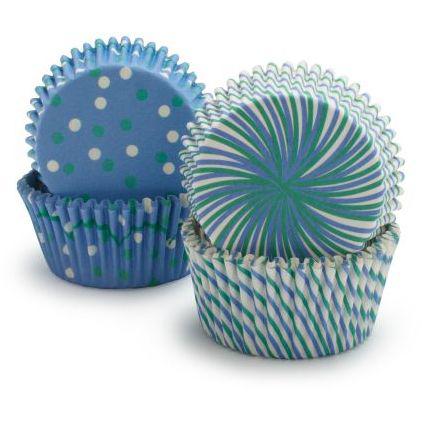 Blå cupcakeforme med prikker og striber