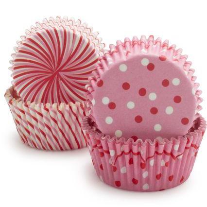 lyserøde cupcakeforme med prikker og striber