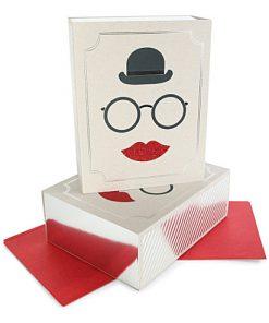 Flot æske med hat, briller og læber - gaveæske fra Meri Meri