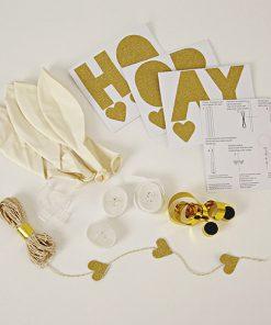 Hvidt ballon kit med Hooray og Yay fra Meri Meri