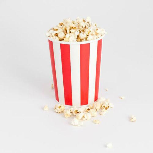 Popcornspand med røde og hvide striber
