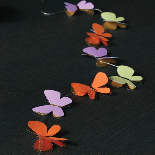 Sommerfugl guirlande i orange, grøn og lilla