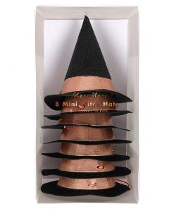 Sorte hekse hatte med kobberkant fra Meri Meri